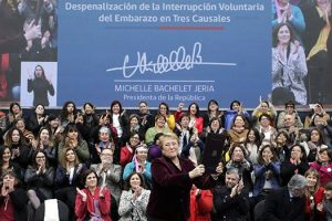Chile despenaliza el aborto en tres causales